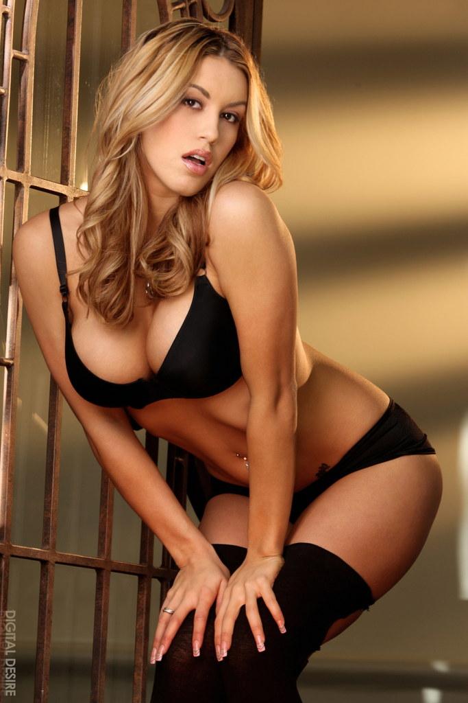Hot babes videos free