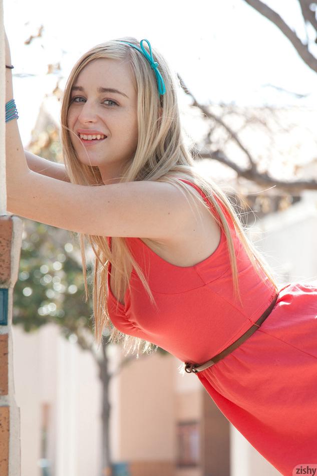 Blonde teener Stacie Jaxxx exposing beautiful young girl pussy № 116190 загрузить