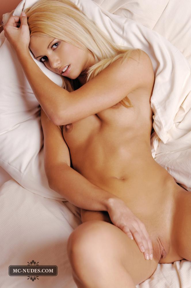 Sexy Evi