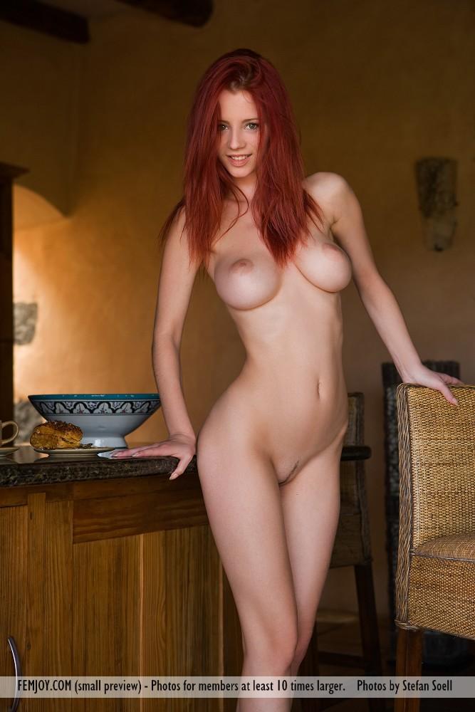 фото голой девушки настя рыженькая
