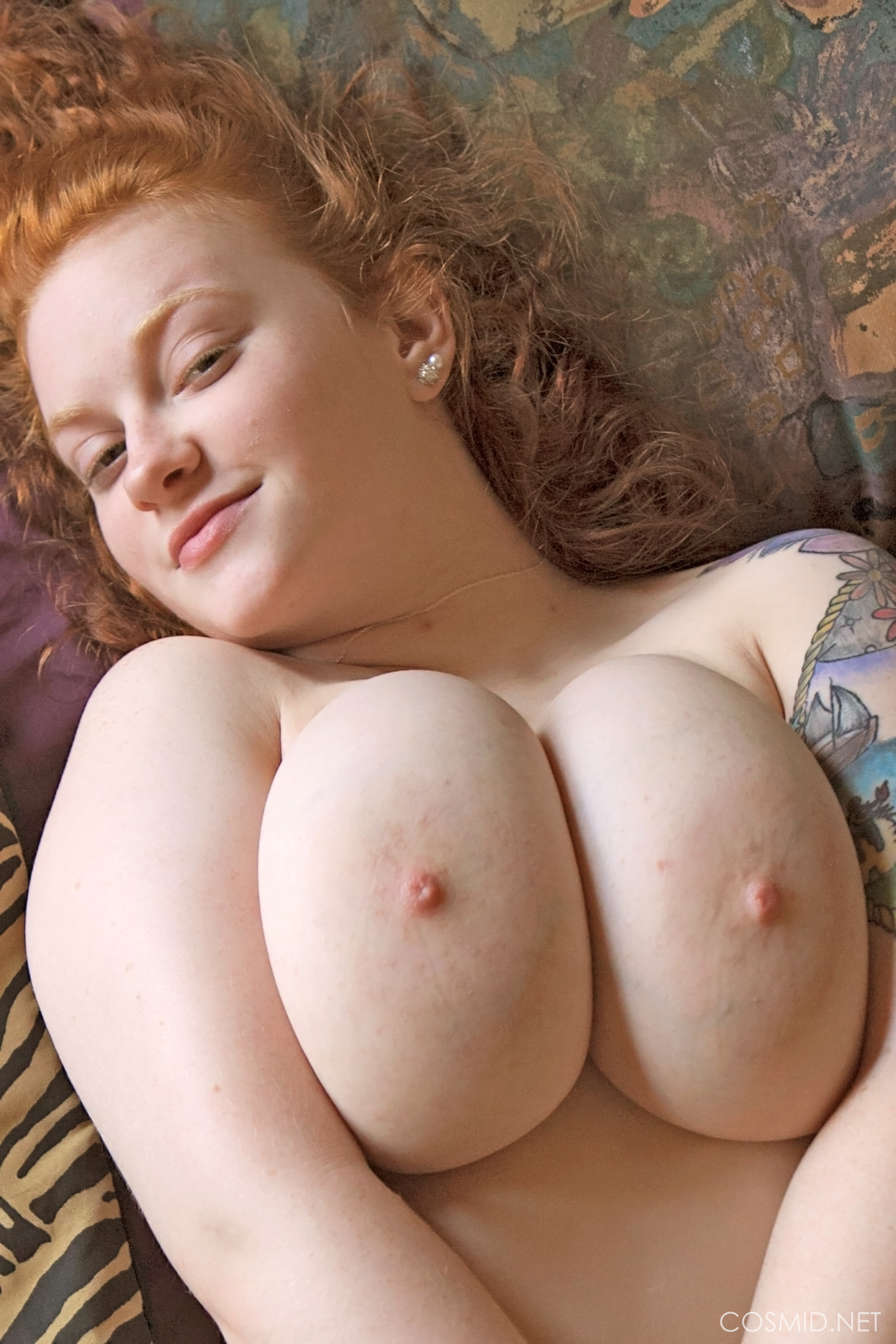 Nude girl chubby tattooed