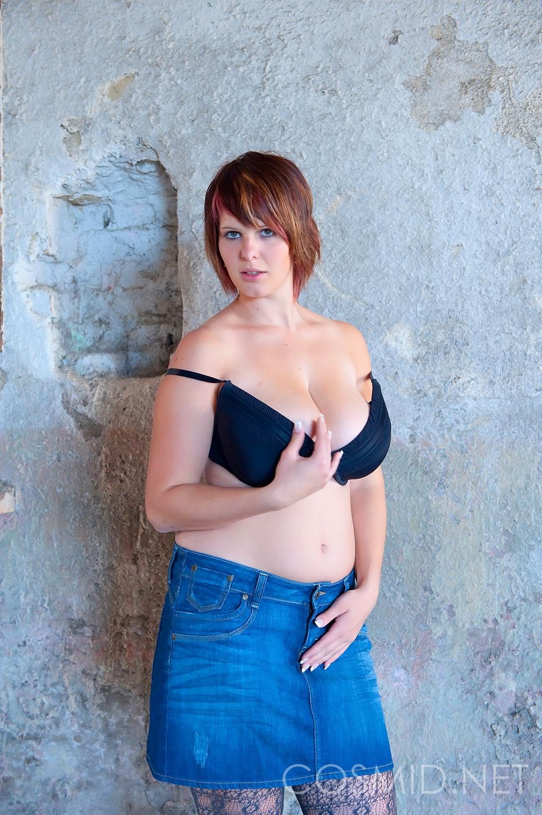 Jenny mcclain oils up her big 36f tits in sauna - 3 part 1
