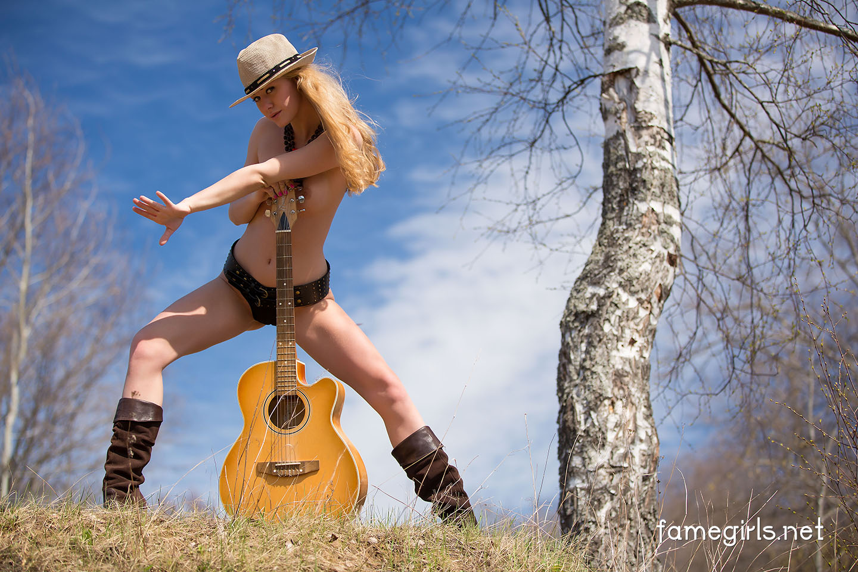 Трахнул на гитаре, Игра На Гитаре (найдено 47 порно видео роликов) 13 фотография