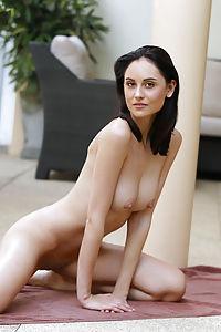 sade mare nude