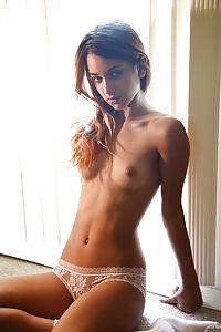 Uma jolie nude pics