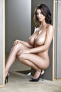Alice Goodwin At Hq Babes
